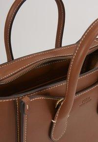 Polo Ralph Lauren - MINI SLOANE - Bolso de mano - saddle - 5