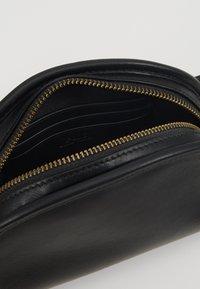Polo Ralph Lauren - SMOOTH BLEECKER MINI - Bum bag - black - 4