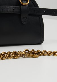 Polo Ralph Lauren - SMOOTH BLEECKER MINI - Ledvinka - black - 6
