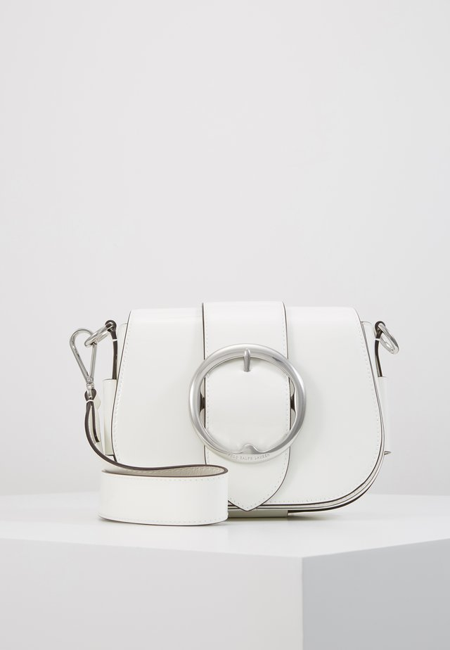 PATENT LEATHER-BELT SADDLE-CXB-MED - Borsa a tracolla - white