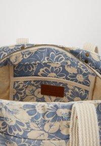 Polo Ralph Lauren - FLORAL PRINT TOTE - Shopping bag - blue/white - 2
