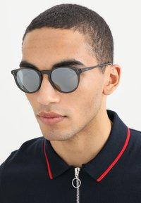 Polo Ralph Lauren - Lunettes de soleil - black - 1