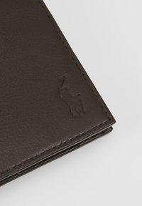 Polo Ralph Lauren - BILLFOLD - Peněženka - brown - 2