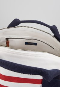 Polo Ralph Lauren - BIG DUFFLE - Valigia - white - 5