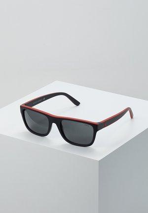 Sluneční brýle - matte black/red