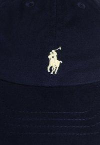 Polo Ralph Lauren - APPAREL ACCESSORIES HAT BABY - Gorra - newport navy - 3