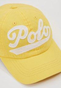 Polo Ralph Lauren - APPAREL ACCESSORIES HAT - Kšiltovka - signal yellow - 2