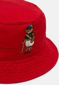 Polo Ralph Lauren - BUCKET HAT BEAR - Chapeau - red - 5