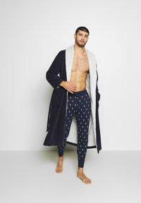 Polo Ralph Lauren - PRINTED LIQUID  - Bas de pyjama - cruise navy - 1