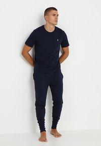 Polo Ralph Lauren - LIQUID - Camiseta de pijama - cruise navy - 1