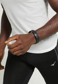 Polar - LOOP2 - Smartwatch - schwarz - 1