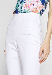 Polo Ralph Lauren Golf - EAGLE ATHLETIC PANT - Kalhoty - pure white - 3