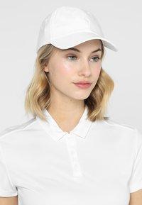 Polo Ralph Lauren Golf - ATHENA TECH HAT - Gorra - pure white - 1