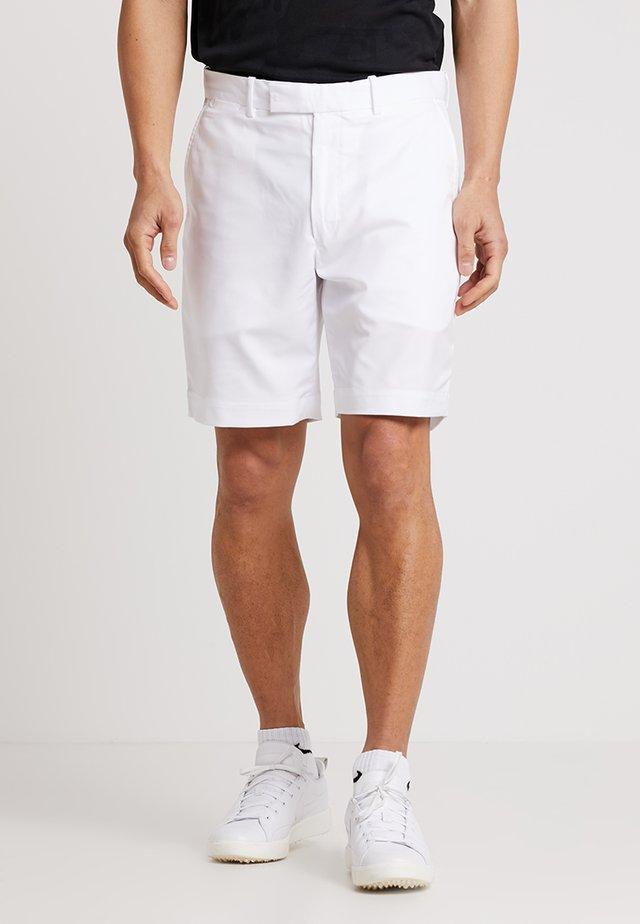 CLASSIC FIT - Korte broeken - white