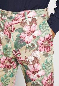 Polo Ralph Lauren Golf - ATHLETIC SHORT - Korte sportsbukser - wild hibiscus - 5