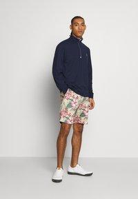 Polo Ralph Lauren Golf - ATHLETIC SHORT - Korte sportsbukser - wild hibiscus - 1