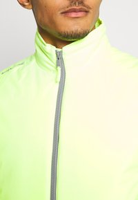 Polo Ralph Lauren Golf - GRAVITY VEST - Vesta - lime quartz - 4