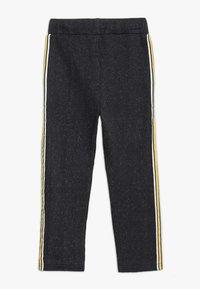 3 Pommes - TROUSERS - Pantalon de survêtement - black - 1