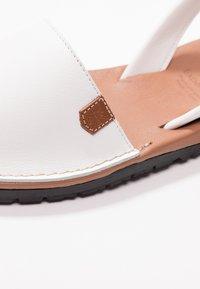POPA - CALIFORNIA - Sandaalit nilkkaremmillä - white - 2