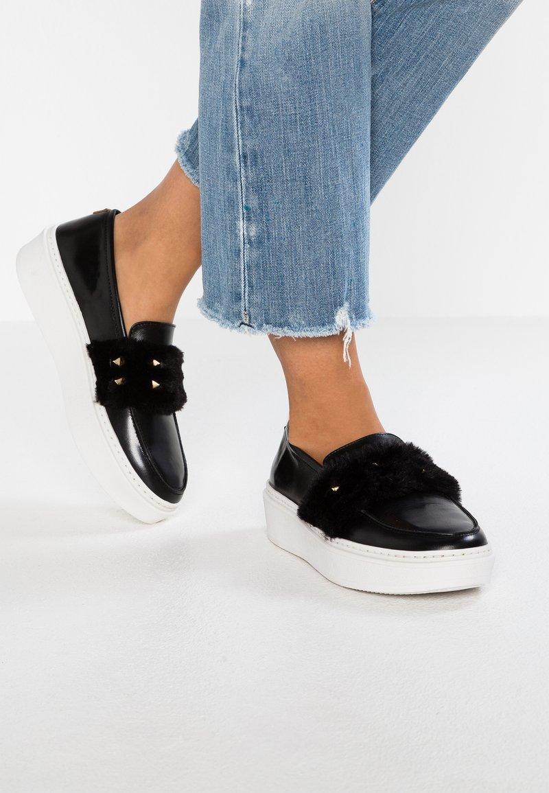 POPA - Slipper - black