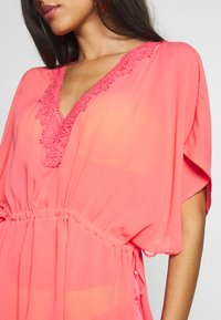 Pour Moi - CROCHET BACK DETAIL COVER UP - Strand accessories - coral - 5