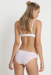 Pour Moi - VIVA LUXE BRIEF - Slip - white - 3