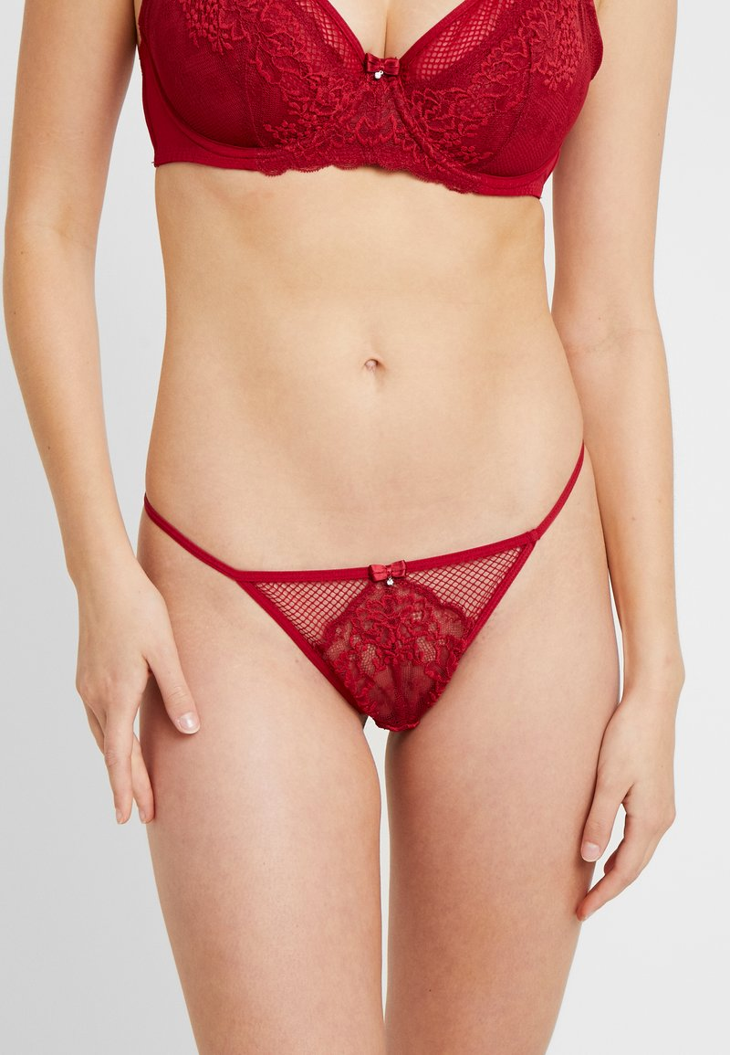 Pour Moi - SUSPENSE THONG - Stringit - red