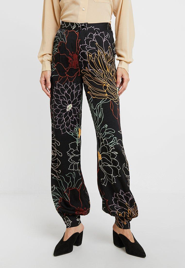 POSTYR - POSLIVIA PANT - Trousers - black