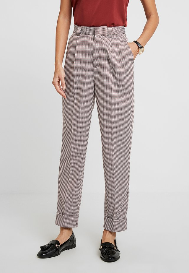 POSSONJA PANT - Pantalon classique - spiced apple