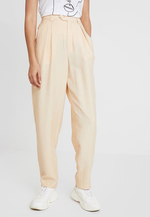 POSGRACE PANT - Spodnie materiałowe - appleblossom