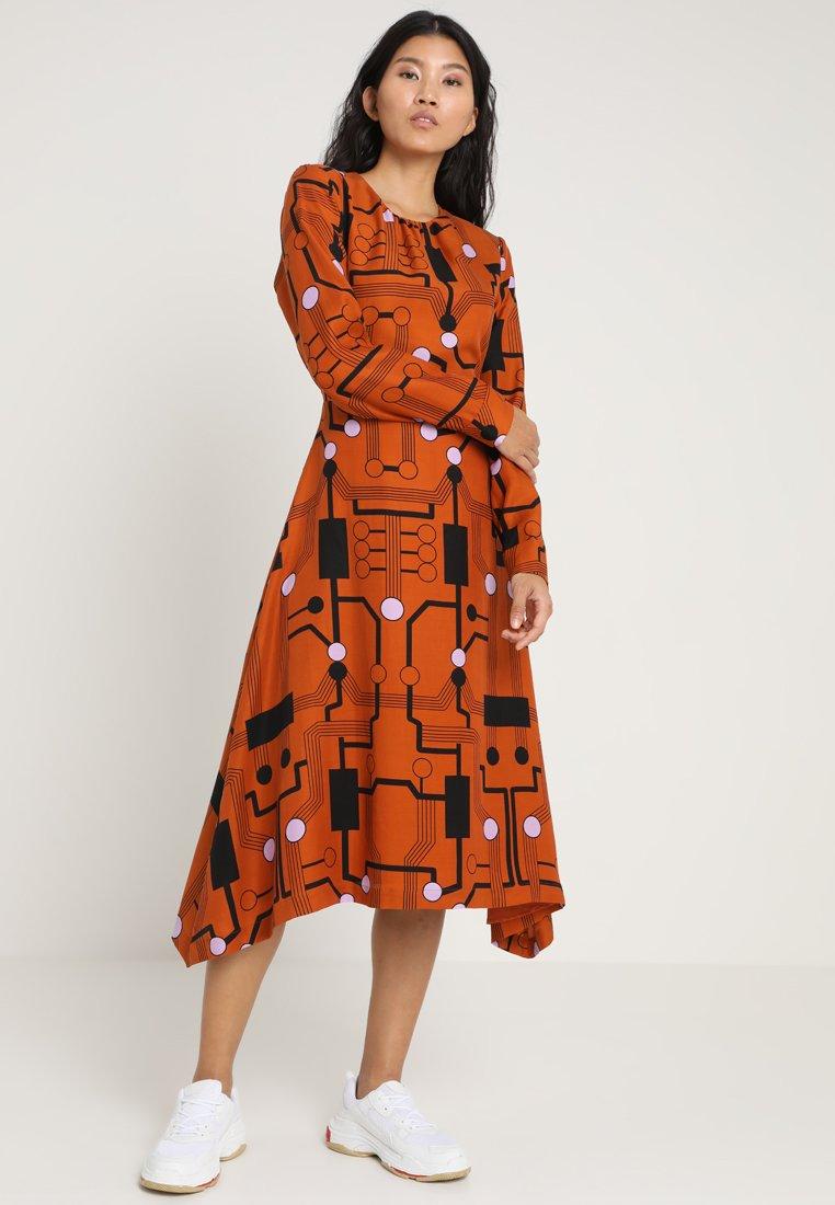 POSTYR - POSROSE DRESS - Maksimekko - adobe