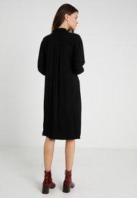 POSTYR - POSMATHILDE SOLID DRESS - Abito a camicia - black - 3