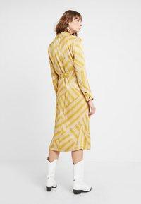 POSTYR - POSALMARINE DRESS - Shirt dress - chai tea - 2