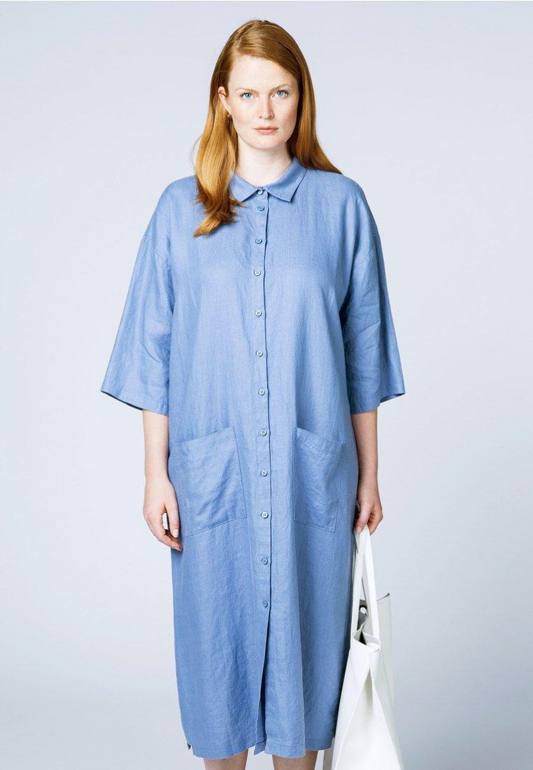 Portraits - Shirt dress - blue