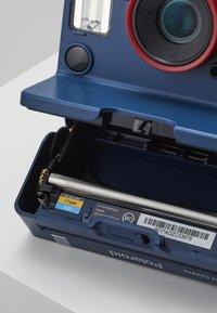 Polaroid Originals - ONESTEP 2 STRANGER THINGS - Cámara - blue - 7