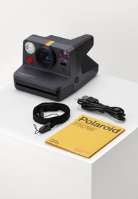 Polaroid - NOW - Camera - black - 2