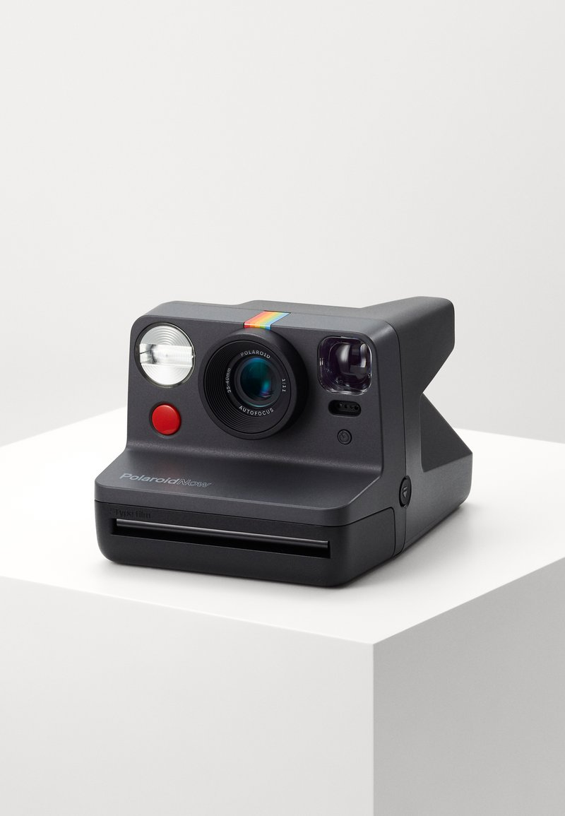 Polaroid - NOW - Camera - black