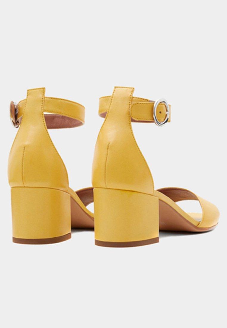 Poilei CeliaSandales CeliaSandales Yellow Yellow Poilei Poilei Yellow CeliaSandales Tl1JK3Fc