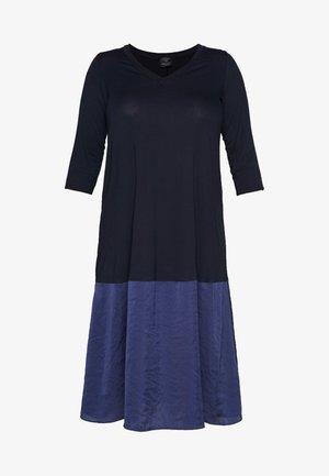 OPEN - Žerzejové šaty - marine blue