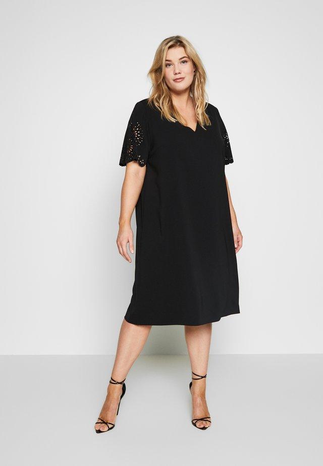 DOROTEA - Korte jurk - nero