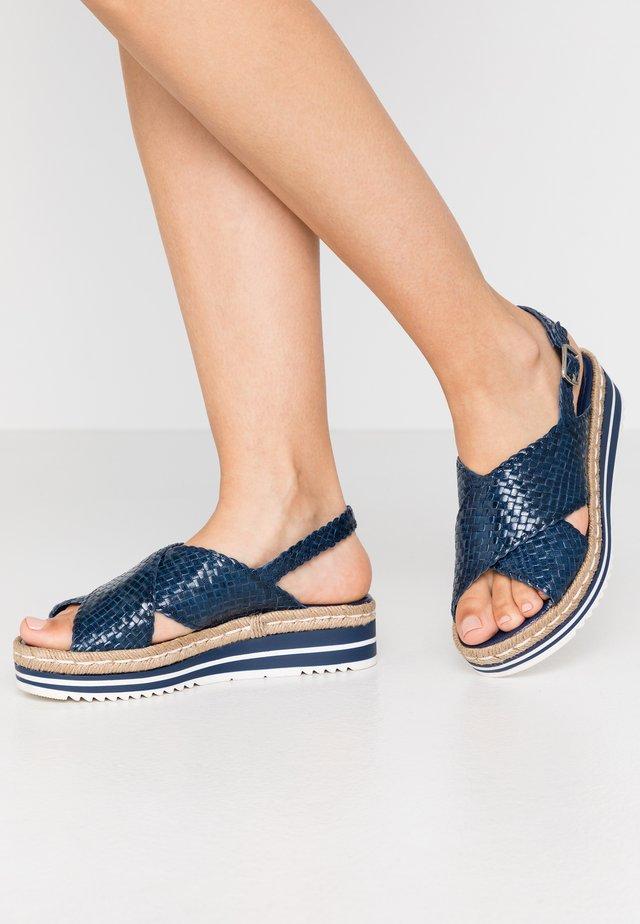 Sandály na platformě - azulon/blau
