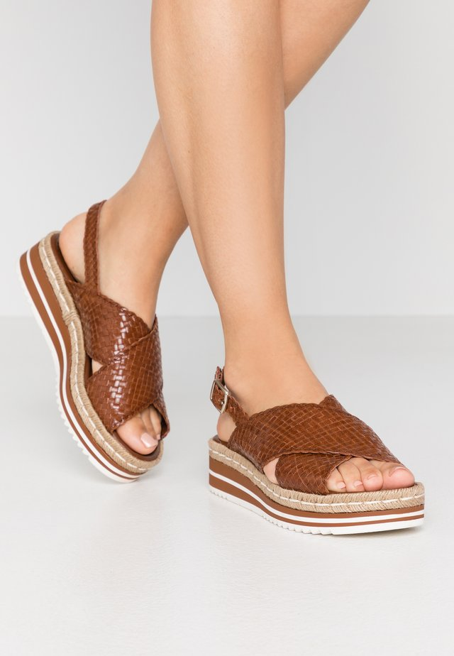 Platform sandals - toffee/cognac