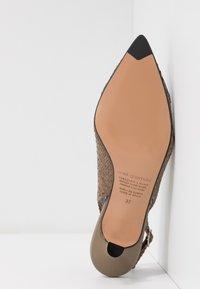 Pons Quintana - Classic heels - alba/alga - 6