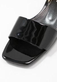 Proenza Schouler - Sandals - nero/cream - 2