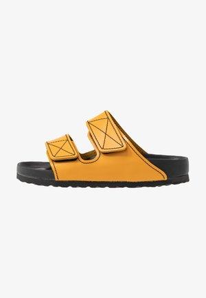 ARIZONA  - Sandaler - ochre