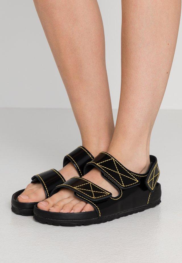 MILANO  - Sandaalit nilkkaremmillä - black