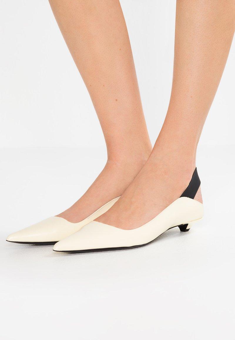 Proenza Schouler - Classic heels - bianco