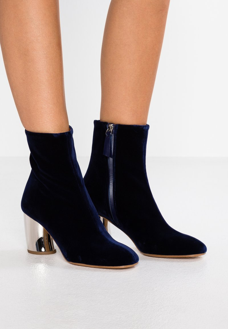 Proenza Schouler - Classic ankle boots - indigo