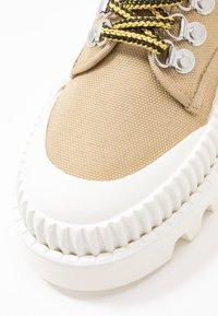 Proenza Schouler - Botines bajos - beige/white - 2