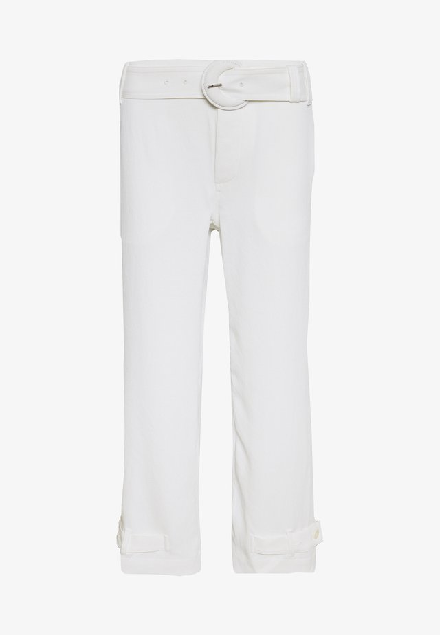 RUMPLED BELTED PANT - Stoffhose - off white